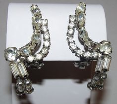 Pretty Unique Vintage Designer Quality Clear Rhinestone Dangle Clip On Earrings