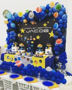 This party for Jacob was out of this world! 🌎 ☄️💫🌕 Design and Set-up Cake Sweets Balloon Decorations Party, Birthday Party Decorations, Nasa Party, Rocket Birthday Parties, Outer Space Party, Baby Shower Invitaciones, Galaxy Balloons, Birthdays, Party Ideas