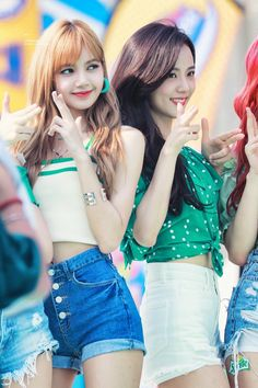 Photo album containing 18 pictures of Jisoo Kpop Girl Groups, Korean Girl Groups, Kpop Girls, Lisa Black Pink, Black Pink Kpop, Blackpink Jisoo, Kim Jennie, Girls Generation, Blackpink Youtube