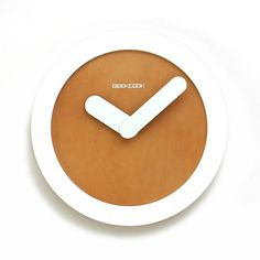 The creative clock comes from the inspiration of Zero Icon. The outside enjoys fashion. The whole wall clocks sale throws away the measurement of time and leaves the personified hands. Undoubtedly, the designer wants to display the brevity of modernism. It is suitable for both decorating your room and presents.