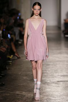 Francesco Scognamiglio Spring 2018 Ready-to-Wear Fashion Show - Mariana Zaragoza Fashion 2018, Runway Fashion, Spring Fashion, High Fashion, Milan Fashion, Women's Fashion, Little Dresses, Day Dresses, Dress Outfits
