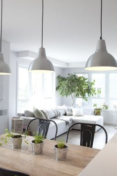 cuisine ouverte style industrielle - noir et blanc Crédits : Brigitte Thériault:
