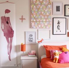 Lovely teenage bedroom art wall