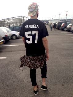 Margiela. 57. Street Style. US. Youth. Trend. Clothing. Men. Fashion. Outfit. Dark. Black & Black. Layers. Modern. Rolled Up. Slim. Fit. Big. Print. Typography. Clean. Black & White. Cap. Colorful. Animal. Camouflage. Dope. +1