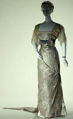 HISTORICAL SILVER & GREY PRINTED DRESSES
