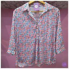 Camisa linda e divertida de estampa de óculos! #Vemprazas