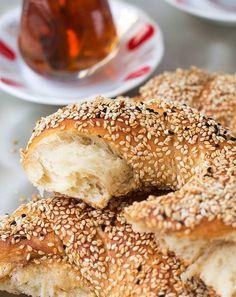 Türkische Dinkel Brezen mit Sesam - Healthy On Green