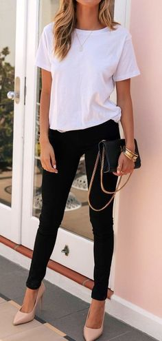 Flawless Spring Outfits To Copy Now, Spring Outfits, white crew-neck shirt. Outfits Casual, Mode Outfits, Fashion Outfits, Casual Wear, Fashion Mode, Look Fashion, Womens Fashion, Cooler Look, Elegantes Outfit