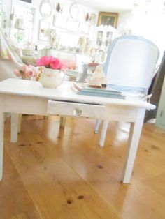 Chippy white shabby chic coffee table by Vintagewhitecottage Shabby Chic Coffee Table, Glass Knobs, Beautiful Living Rooms, Shabby Chic Cottage, Purpose, Lounge, The Originals, Awesome, Projects