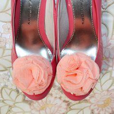 peach shoe clips