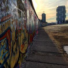 Un muro può rinchiudere i sogni o forse li alimenta