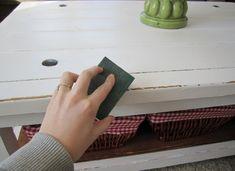 DIY vintage furniture - 3 easy techniques for skating wood