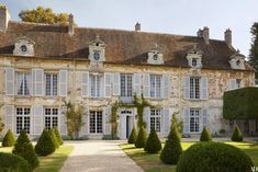 A Fairy Tale Estate in France is part of architecture - Chris Burch Tory Marco Scarani French architect decorator Michel Pinet 1608 hôtel particulier Senlis france century antiques historic landmark home French Cottage, French Country House, French Farmhouse, Country Houses, Country Front Door, Front Doors, French Chateau, French Interior, French Decor