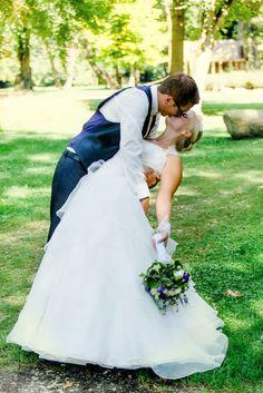 Kiss the Bride www.losbichler-hochzeitsfotografie.de