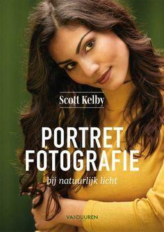In dit boek leert Scott Kelby hoe je de mooiste portretten in natuurlijk licht kunt maken en bewerken. Scott beschrijft alles in zijn bekende stijl en volgens zijn succesvolle methode. Van geavanceerde lenzen en camera-instellingen tot en met het vastleggen van natuurlijk licht: Alles komt aan bod in dit volledig nieuwe boek over fotograferen met behulp van natuurlijk licht. Of het nu gaat om direct zonlicht, raamlicht, schaduw of schemerlicht. Lightroom, Photoshop