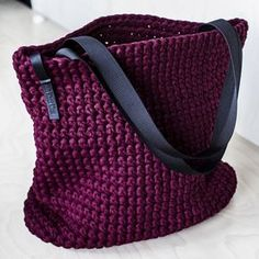 This tote is on sale now Everyday tote bag crochet shoulder bag everyday woman s bag shopper bag tote bag everyday bag tote vinous tote crochet tote recycled Crocheted market bag in plum with leather handle New Cheap Bags. Bag Crochet, Chunky Crochet, Crochet Handbags, Crochet Purses, Tshirt Garn, Crochet Shoulder Bags, Cheap Bags, Everyday Bag, Everyday Outfits
