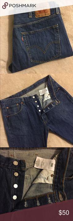 Levi's Button Fly 501 38x32 EXCELLENT USED CONDITION (EUC)  MEN'S (38x32) Levi's Jeans