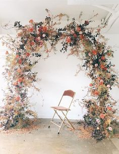 Elegant floral incarnations come to life in South Korean floral designer Eunyoung Lee's billowy concoctions. Arc Floral, Floral Arch, Floral Design, Wedding Ceremony Arch, Wedding Ceremony Decorations, Ceremony Backdrop, Wedding Arches, Flower Backdrop, Ontario
