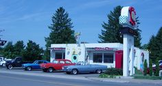 POKEY DOT IN FAIRMONT, WEST VIRGINIA, IS A OLD FASHIONED DINER WITH A GREAT MENU. YOU CAN ORDER A GREAT SANDWICH THAT HAS OLIVERIO PEPPERS ON IT.