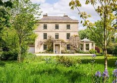 And on a slightly grander scale....Potticks House near Bath ' An Austen fantasy in creamy stone - more original features than you can shake a bonnet at'......