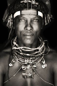 Africa through beautiful portraits of the locals - They say that the eyes are the window of the soul and its definitely confirmed by the beautiful portraits made by the Dutch photographer Mario Gerth.