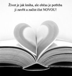 This would be neat as a ring shot. one ring in each half of the heart. Lovers Day, Book Lovers, Happy Heart, Love Heart, Heart In Nature, Book Tattoo, Book Images, Pictures Images, Open Book