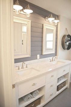 Who doesn't want to have stunning design of the master bathroom? The stunning design can be done not only in a spacious master bathroom but also in a small bathroom. You don't… Continue Reading → Bad Inspiration, Bathroom Inspiration, Bathroom Inspo, Bathroom Layout, Bathroom Photos, Modern Farmhouse Bathroom, Urban Farmhouse, Farmhouse Small, Farmhouse Decor
