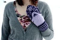 Ravelry: Mörkö pattern by Jenni Peltomäki-free pattern Knitting Charts, Knitting Patterns Free, Free Knitting, Free Pattern, Mittens Pattern, Knit Mittens, Knitted Hats, Learn How To Knit, Diy Crochet
