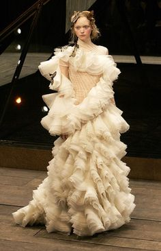 Alexander McQueen / 2006 - dress