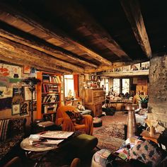 'Harry Potter and the Chamber of Secrets', The Weasley's House, (aka The Burrow), (c) Warner Brothers. Hogwarts, Slytherin, Harry Potter Room, Harry Potter World, The Burrow Harry Potter, Ginny Weasley, Le Terrier, Must Be A Weasley, Me Toque