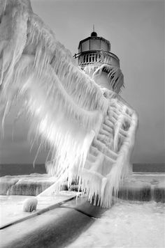 Previous Pinner labeled this picture as Lighthouse in Michigan City, IN. I have seen similar pictures labeled St Joseph Northpier Lighthouse in St Joseph, MI. Either way, great picture! Lago Michigan, Michigan Usa, Lake Michigan Frozen, Northern Michigan, Cool Pictures, Cool Photos, Beautiful Pictures, Amazing Photos, Winter Pictures