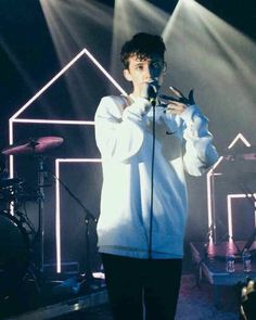 Troye is bae Troye Sivan, Lgbt, Blue Neighbourhood, Tyler Oakley, Dodie Clark, Shane Dawson, Music Humor, Paramore, Celebs