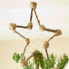 Twig, Jute and Chicken Wire come together perfectly in this DIY Christmas Tree Topper.