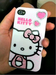 Hello Kitty iPhone cover with hearts