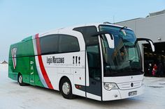 Od 28 stycznia piłkarze Legii mają do dyspozycji autokar marki Mercedes w klubowych barwach