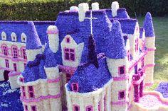 FÊTE DES FLEURS en 2013 : Le château de CHENONCEAU - diverses sculptures avec des fleurs