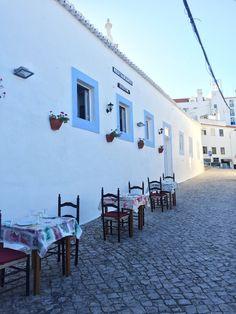 Cute little restaurants in Albufeira #Albufeira #restaurants #Portugal #Algarve #Algarvecoast #roadtrip #Algarveroadtrip #roadtripalgarve #portugalroadtrip