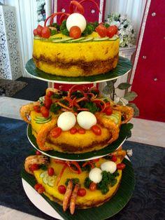 Lagun Sari - Pulut Kuning :)  #wedding  #weddingcakes #love #fun #Malaywedding # Pulutkunning #singaporewedding #traditional #tradition #cakes #3-tier