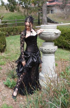 La Rose Gothique Gothic Victorian Corset Gown http://auralynne.etsy.com