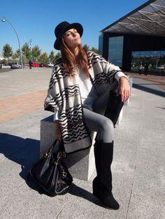 Blog Paula Echevarría  >>Poncho  Colección Ariadne Artiles x Yerse FW 2012-2013