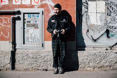Street style homme à la Fashion Week automne-hiver 2017-2018