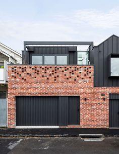 Australian Architecture, Minimalist Architecture, Australian Homes, Garage Exterior, Exterior House Colors, Victorian Cottage, Victorian Homes, Architecture Awards, Architecture Design