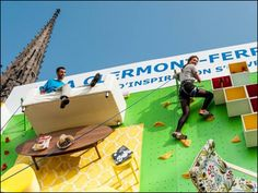 To celebrate the opening of the IKEA store in Clermont-Ferrand, France, the Swedish furniture brand has teamed up with local communication agency ubi bene to install a climbing wall covered with IKEA furniture. Climbing Wall, Rock Climbing, Ikea Ad, Apartment Walls, Experiential Marketing, Public Art, Public Spaces, Outdoor Walls, Promotion