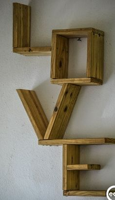 Pin on Best DIY Woodworking Projects Pallet Home Decor, Diy Pallet Furniture, Home Decor Furniture, Furniture Projects, Repurposed Furniture, Furniture Design, Handmade Home Decor, Diy Home Decor, Wall Decor Crafts