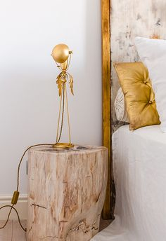 (in love with this little lamp!) desire to inspire - A peek at a Romanian home