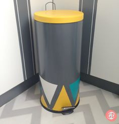 s 31 astounding things you didn t know you could do with contact paper, Give your trash can a makeover Papel Contact, Contact Paper, Ikea Coffee Table, Coffee Table Design, Grey Contacts, Metallic Gold Paint, Old Bar, Marble Coasters, Star Decorations