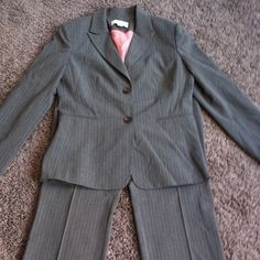 Casual Corner Suit size 10 Casual Corner ANNEX  pant suit.   Great condition.  Gray with white pinstripes. Size 10 casual corner Other