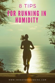 8 tips for running in humidity | Stay hydrated and running during summer | summer heat and running tips   #running #humidity #summer Running Routine, Running Plan, Running Tips, Running Training Programs, Race Training, Group Fitness, Health And Fitness Tips, Women's Fitness, Female Runner
