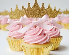 Princess crown cupcake toppers with pink bow detail Theme Bapteme, Crown Cupcake Toppers, Baby Shower Cupcake Toppers, Gateau Baby Shower, Shower Cake, Princess Cupcakes, Princess Party, Pink Princess, Baby Shower Princess