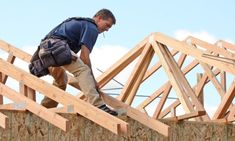 Fewer homes use rafters for roof construction — here's a crash course on why roof trusses are so popular. Roofing Companies, Roofing Services, Shed Roof, House Roof, Industrial Roofing, Framing Construction, Building A Garage, Load Bearing Wall, Plumbing Emergency